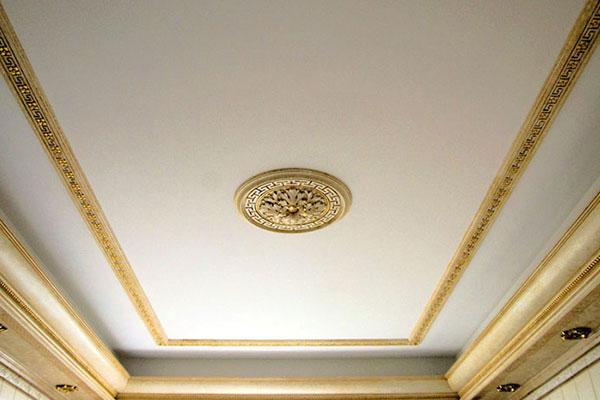 Отделка потолка в квартире, варианты