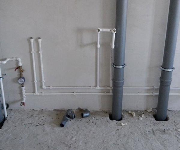Замена стояков горячего и холодного водоснабжения