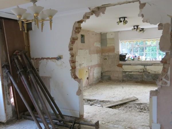 Демонтаж стен и перегородок, цена